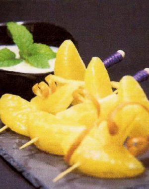 Brochetas de naranja con yogur y miel