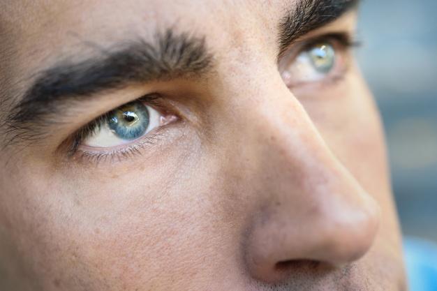 tratamiento botox para cejas hombre