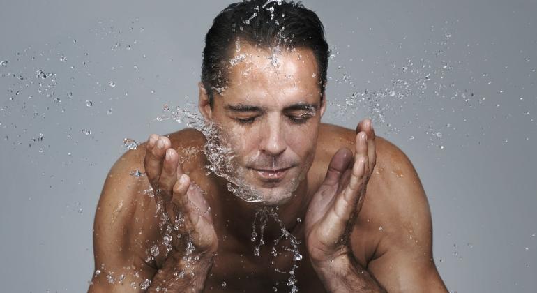 cuidados de la piel en hombre